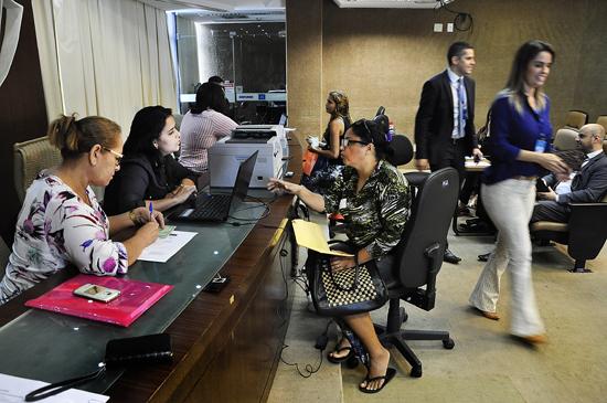 Atendimento jurídico à população dentro das comemorações do Dia do Advogado. Foto: Eduardo Maia