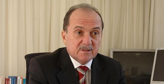 Claudio-Santos