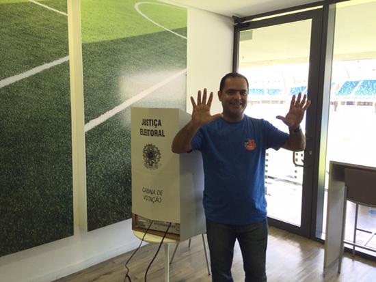 Paulo Coutinho votação