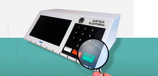 Urna eletrônica sob vigilância