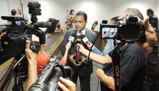 Advogado Paulo Coutinho na Sesed
