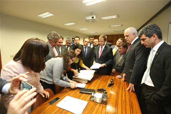 OAB protocola pedido de Impeachment