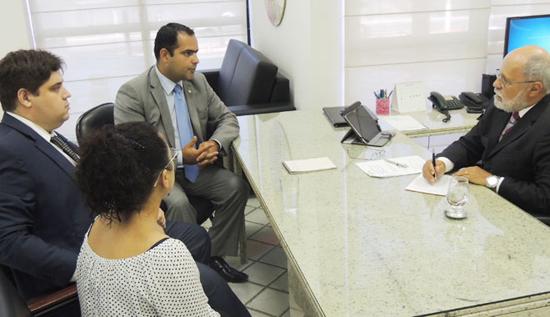 OAB apresenta demandas ao corregedor da Justiça do Trabalho