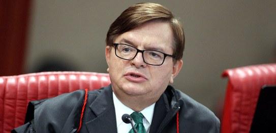 Ministro do TSE Herman Benjamin