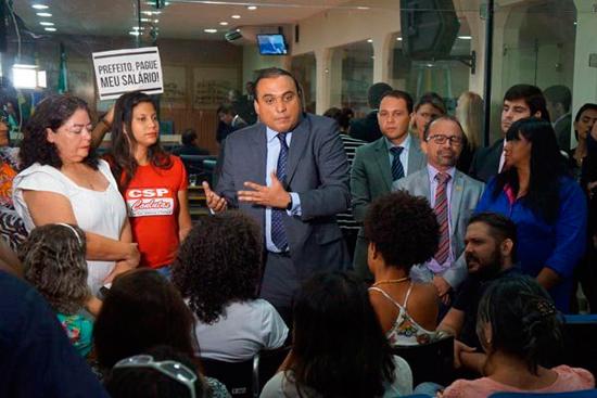 Sindicalistas estiveram na Câmara Municipal e pediram apoio aos vereadores. Vereador Ney Lopes Jr. mediou a negociação