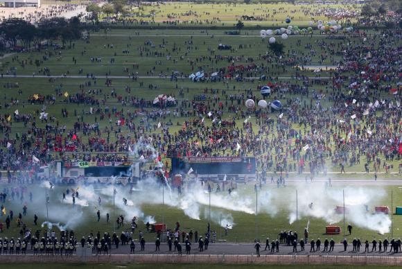 Governo quer identificar e processar responsáveis por depredação em protesto