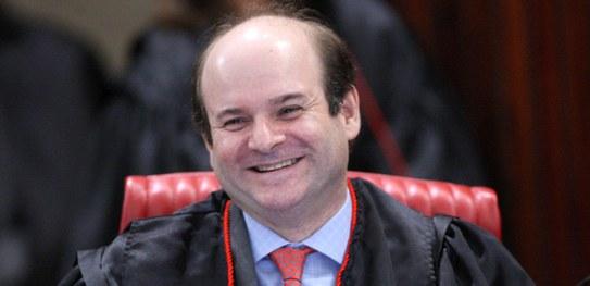 Ministro Tarcisio Vieira toma posse como titular do TSE nesta terça-feira (9)