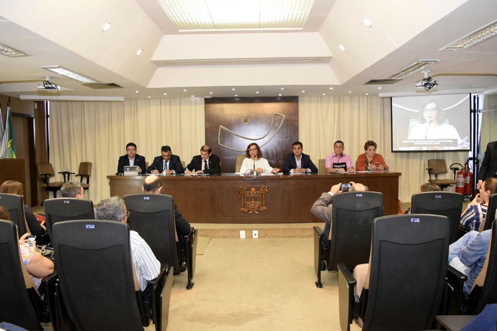 Assembleia discute possível autonomia financeira da UERN