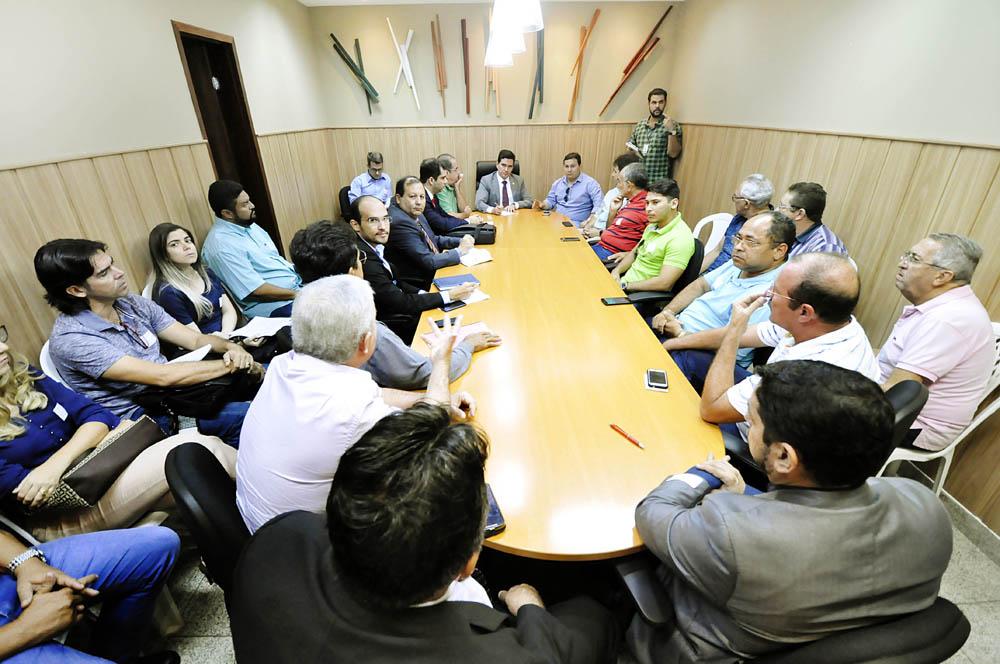 ASSEMBLEIA RECEBE PLEITOS DO SETOR DE TRANSPORTES ALTERNATIVOS INTERMUNICIPAIS