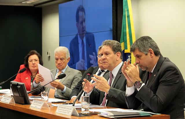 Corregedor apresenta ações para controle de salário de juízes
