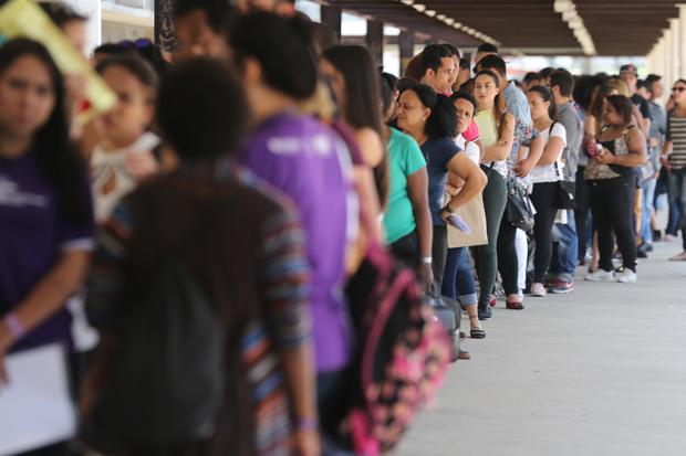 Desemprego no país recua para 12,4% no terceiro trimestre do ano
