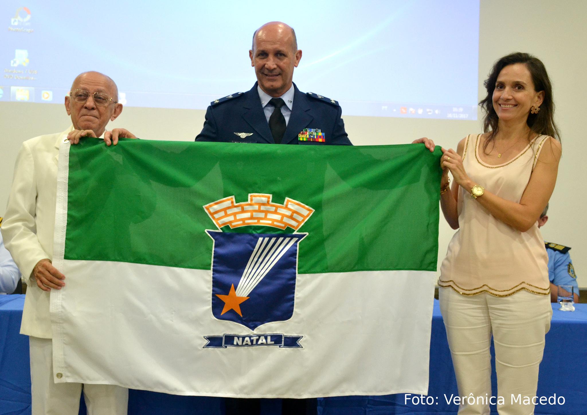 Brigadeiro do Ar Pedro Luís Farcic recebe a cidadania natalense na Câmara de Natal
