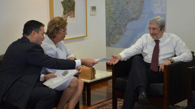 Prefeita Rosalba solicita prioridade no decreto presidencial de valorização do sal potiguar
