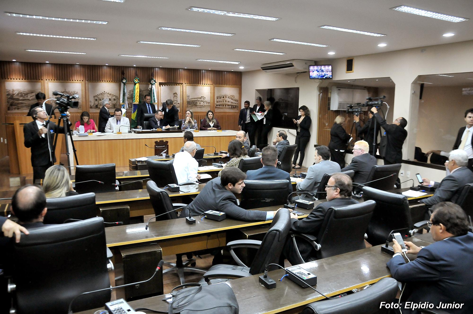 Câmara vota orçamento de Natal para 2018; 238 emendas foram aprovadas