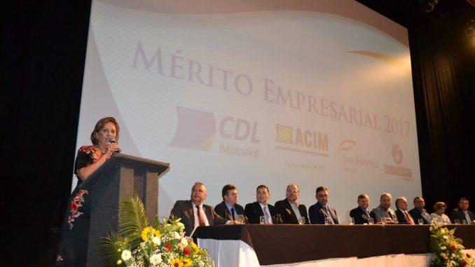 Prefeita de Mossoró participa de solenidade de posse da nova diretoria da CDL