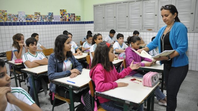 Prefeitura de Mossoró abre processo seletivo para professor temporário