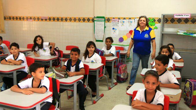 Prefeitura de Mossoró anuncia escolas que receberão 14º salário