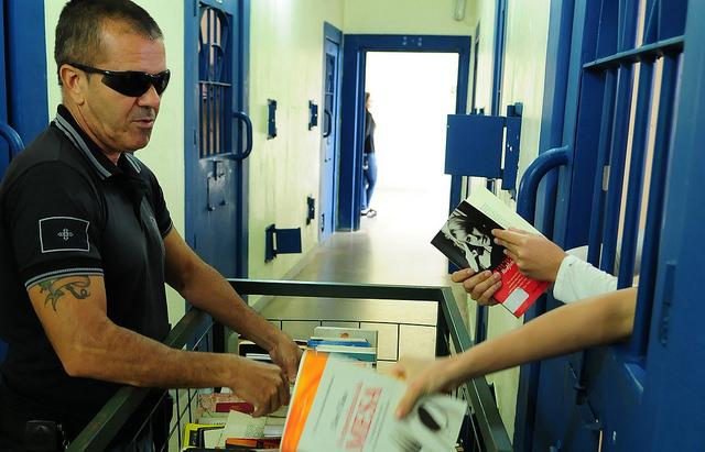 Decisão do CNJ viabiliza a entrega de 19,4 mil livros a 40 presídios