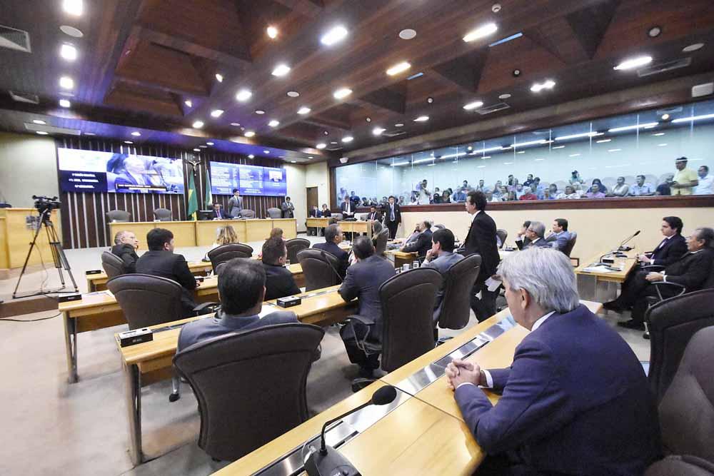 Deputados aprovam projetos e comissões temáticas seguem com demais análises