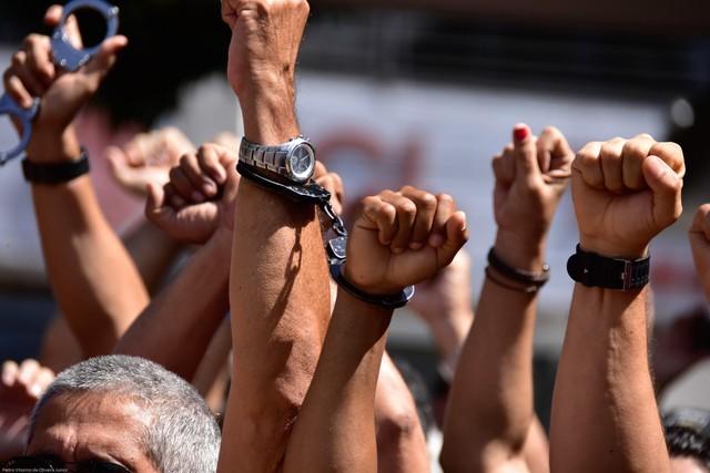 Desembargador extingue processo que pedia prisão de policiais em greve no RN