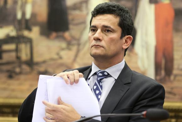 Moro determina leilão público do triplex atribuído a ex-presidente