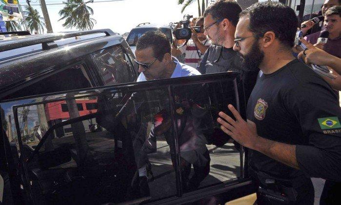 Justiça concede prisão domiciliar para ex-ministro Henrique Alves