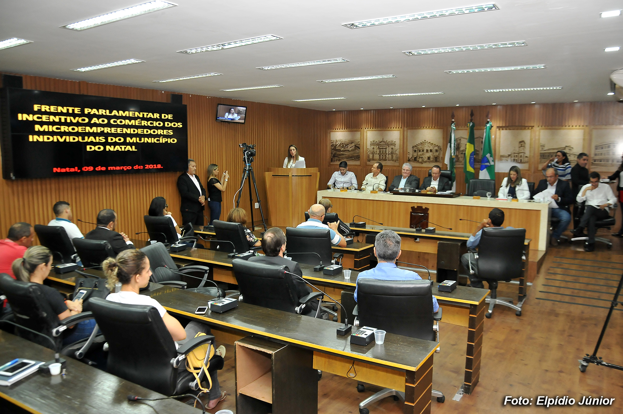 Frente da Câmara discute crescimento do empreendedorismo e da oferta de emprego em Natal