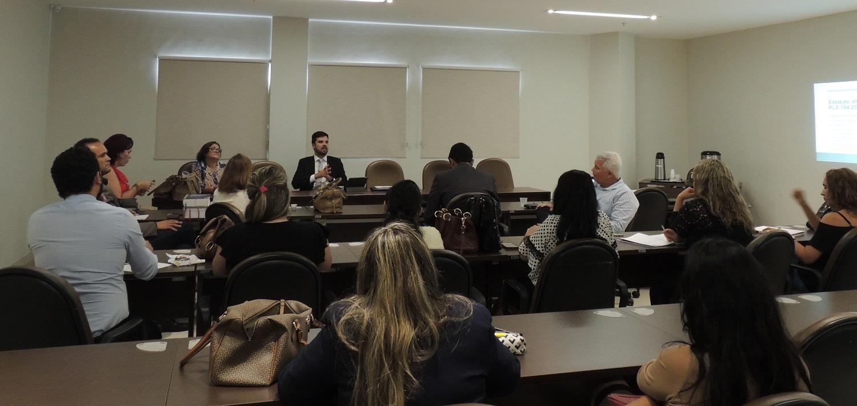 Grupo de Estudos da COAJUR discute Estatuto da Adoção