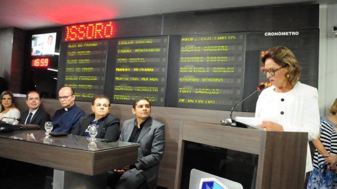 Prefeita Rosalba confirma envio do reajuste dos professores à Câmara em Mensagem Anual