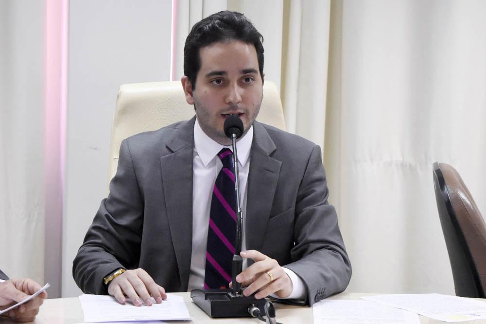 Comissão de administração da Assembleia do RN aprova projeto sobre atividade dos optometristas