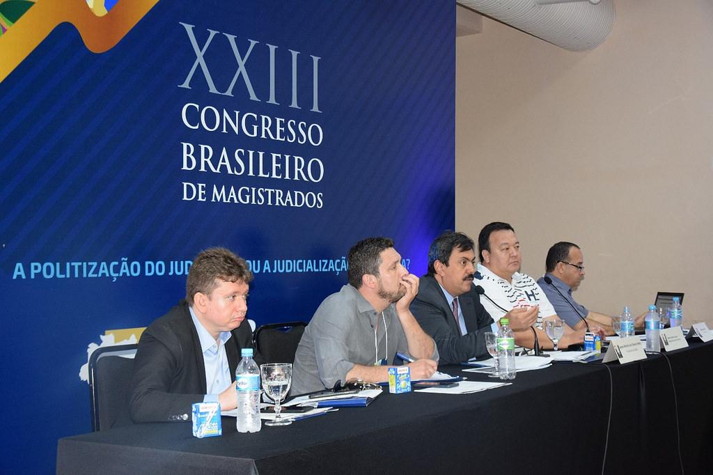 Presidente da AMARN, Herval Sampaio, participa de reuniões das comissões da AMB