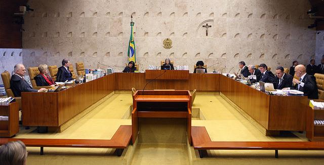 A democracia é a única via legítima, diz Cármen Lúcia no STF