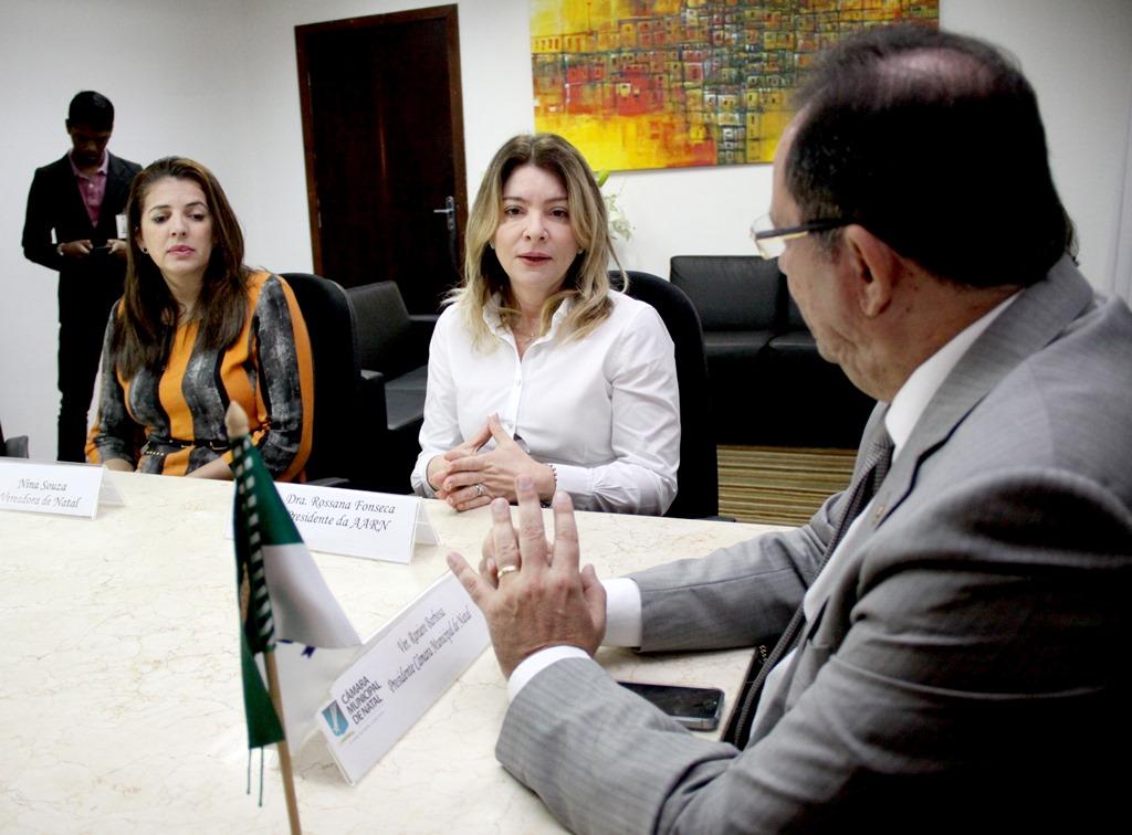 Câmara de Natal anuncia providências contra ameaças sofridas pela vereadora Nina Souza