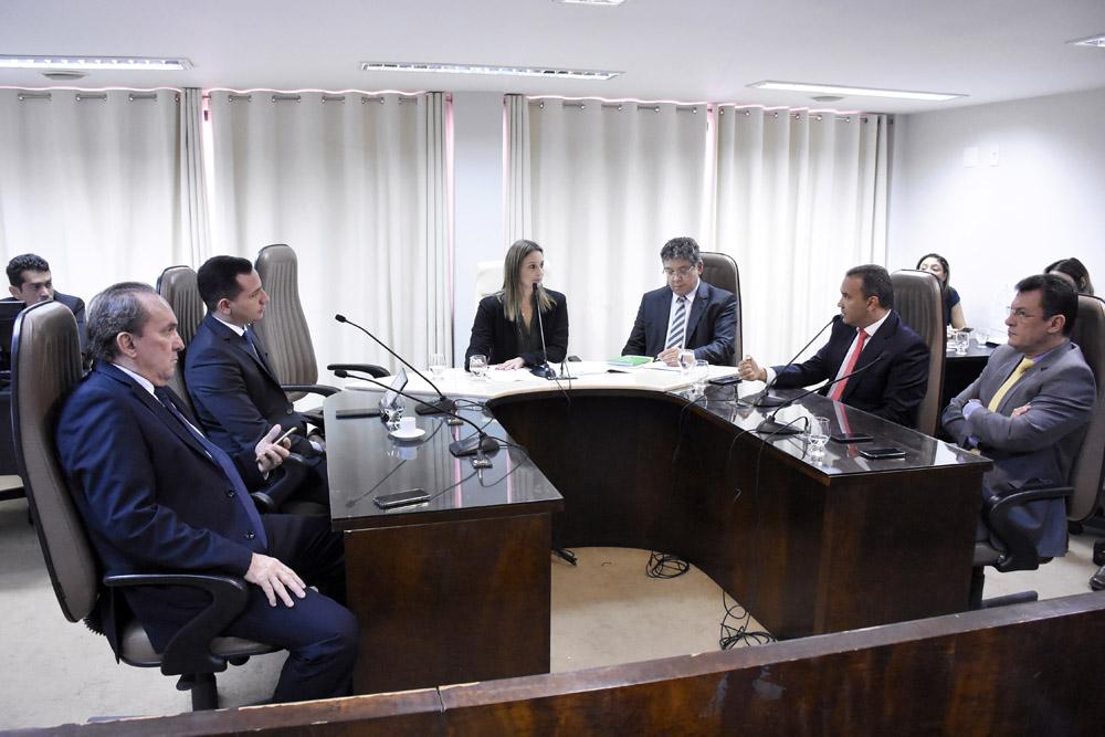 Comissão da Assembleia do RN decide oficiar governador sobre descumprimento de decreto e
