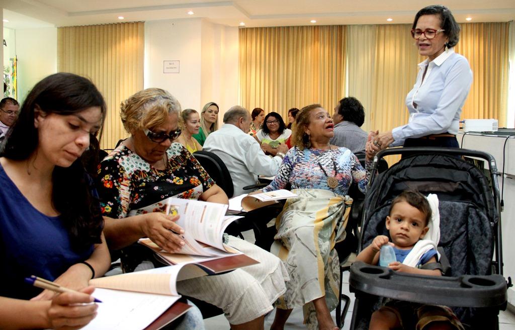 Curso sobre cidadania reúne líderes comunitários e servidores na Câmara de Natal