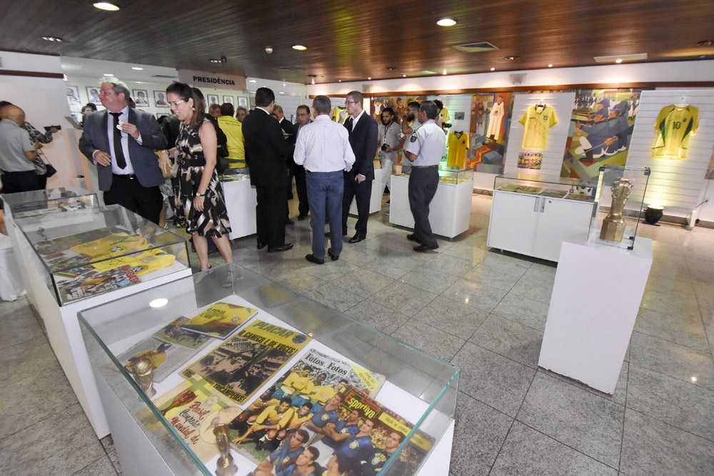 Exposição na Assembleia do RN reflete expectativa para a Copa do Mundo