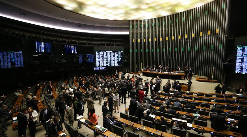 Projeto sobre direitos de exploração do pré-sal pode ser votado em Brasília