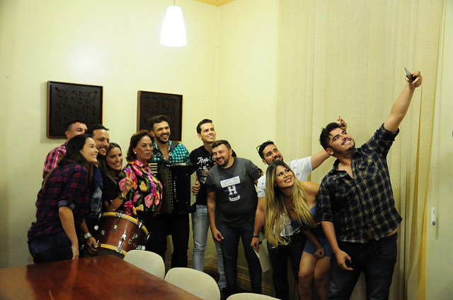 Rosalba com artistas