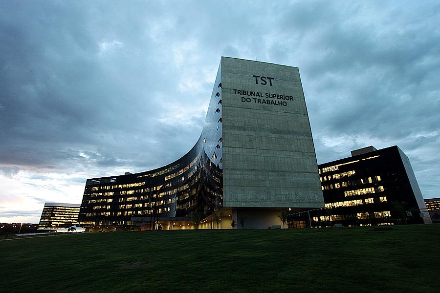 TST reajusta valores dos limites de depósito recursal