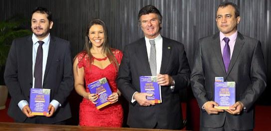Ministro Luiz Fux e colaboradores lançam coletânea de Direito Eleitoral