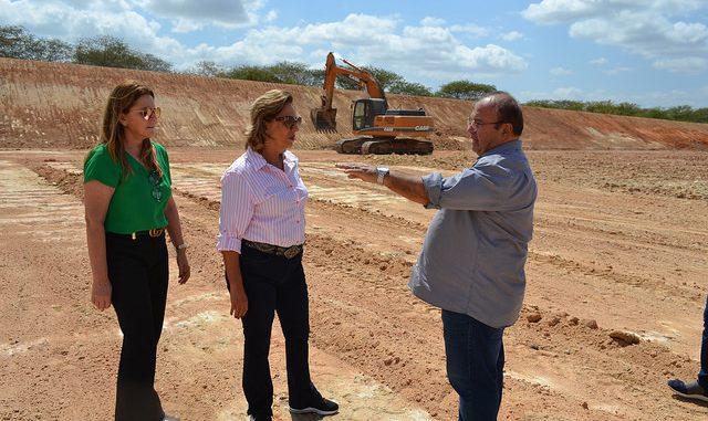 Prefeita de Mossoró visita obras de ampliação do Aterro Sanitário