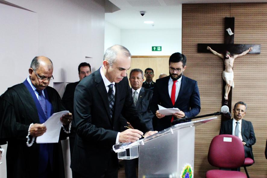Des. Glauber Rêgo assume Presidência do TRE e destaca a garantia da tranquilidade das eleições
