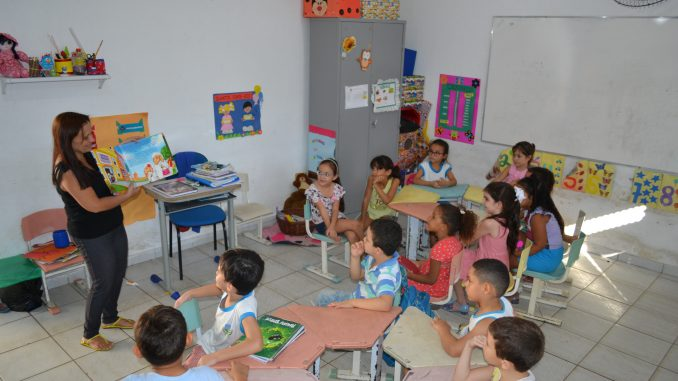 Prefeitura de Mossoró contempla professores com progressão funcional
