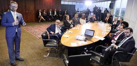 Advogado Flávio Pansieri toma posse como diretor da Escola Judiciária Eleitoral do TSE