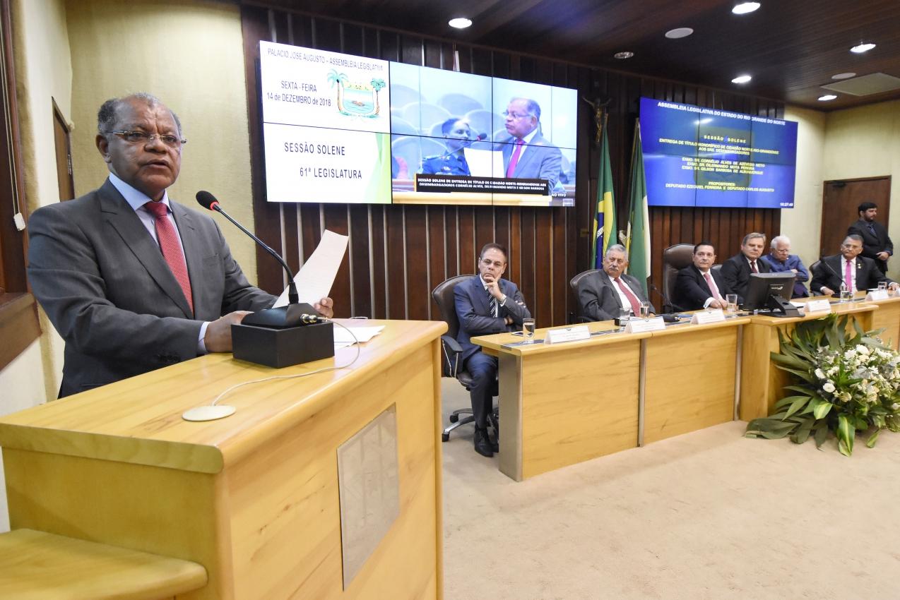 Assembleia concede título de cidadão a três desembargadores do RN