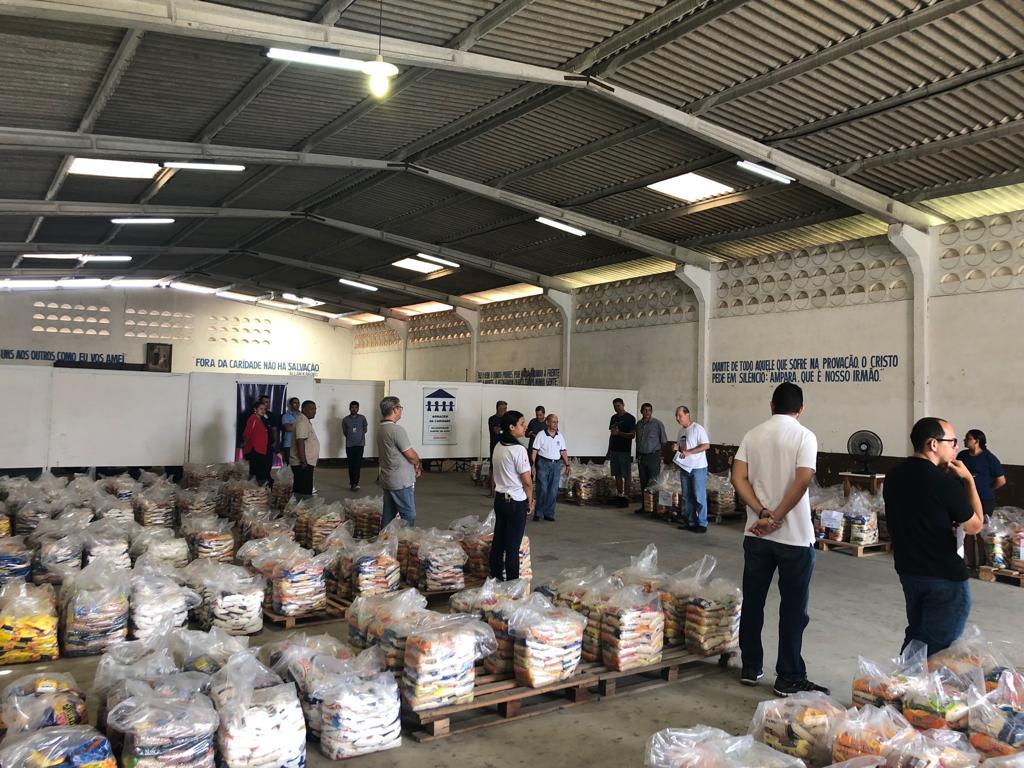 Carnatal Solidário faz segunda entrega de alimentos para o Armazém da Caridade 3