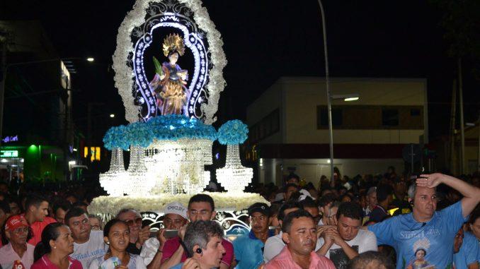Procissão marca encerramento da Festa de Santa Luzia 2018
