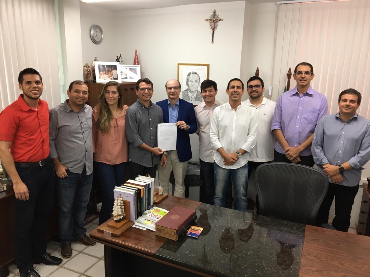 Gabinete do desembargador João Rebouças zera número de processos físicos pendentes