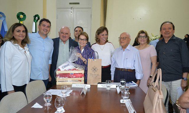 Prefeita de Mossoró entrega à ministra Tereza Cristina pauta de reivindicações do setor salineiro