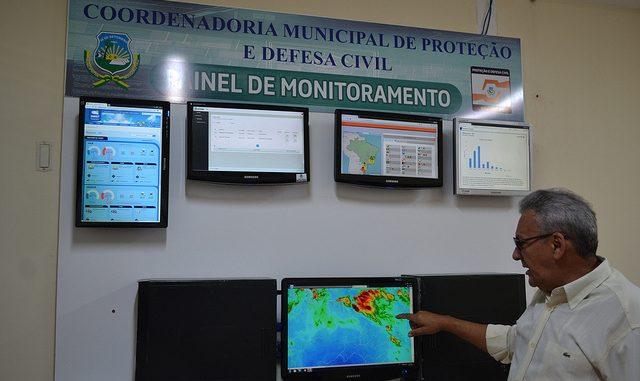 Painel de controle com previsões mantém Defesa Civil atualizada sobre condições climáticas em Mossoró